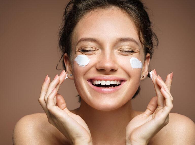Wenn die Haut Durst hat… – feuchtigkeitsspendende Behandlungen in der Gesichtspflege